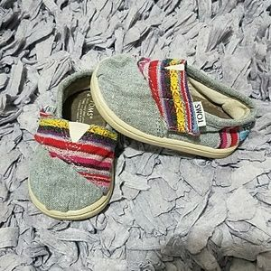 Tom's Toddler Shoes Size 4T. Grey and Sarape.